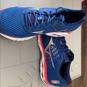 Mizuno Shoes - Men's Mizuno Athletic Shoes size 12